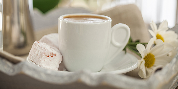 «Πιείτε έναν ελληνικό στην υγειά σας»