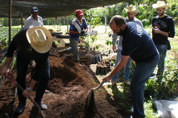 Οι επαγγελματίες του καφέ ταξίδεψαν στις φυτείες του Nescafé στο Μεξικό