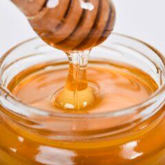 Το μέλι που «ζαχαρώνει» είναι καλό ή όχι τελικά
